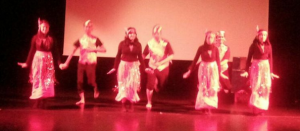 PPI Oxford Performing Marendeng Marampa rom South Sulawesi at ISIC-Indonesian Scholars International Convention